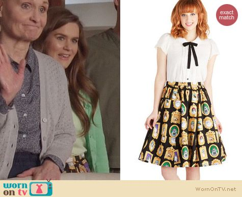 ModCloth Bea & Dot Pretty as a Purr-trait Skirt worn by Zoe Jarman on The Mindy Project
