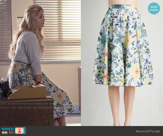 ModCloth Library in Love Skirt worn by Sasha Pieterse on PLL