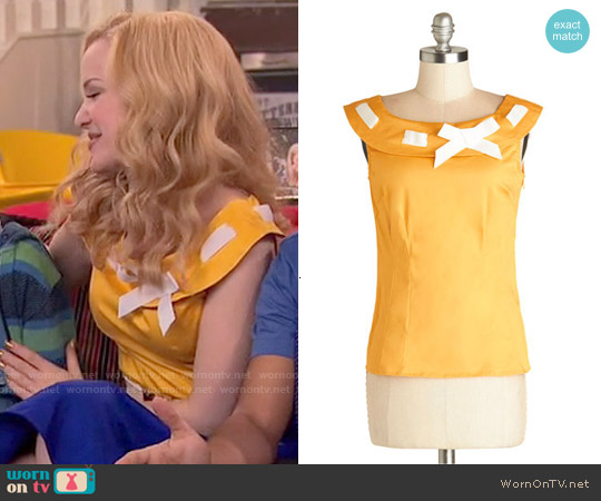 ModCloth Miss Fetching Top worn by Dove Cameron on Liv & Maddie