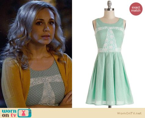 ModCloth Sunday Darling Dress worn by Fiona Gaubelmann on Wilfred