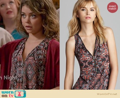 Modern Family Fashion: Aqua Marrakech Zip Front Tank worn by  Sarah Hyland