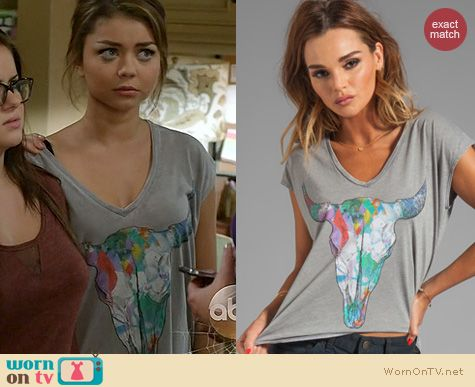 Modern Family Fashion: Chaser New Mexico Tee worn by Sarah Hyland