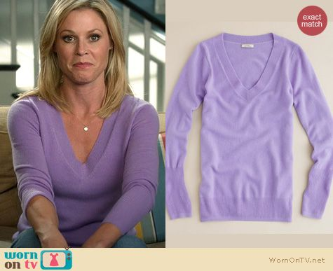 WornOnTV: Claire's purple v-neck sweater on Modern Family | Julie ...