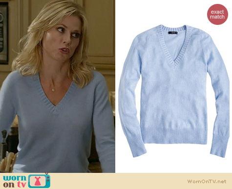 Modern Family Fashion: J. Crew Dream V-neck sweater worn by Julie Bowen