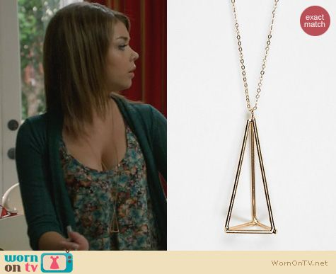 Modern Family Fashion: Urban Outfitters Geometric Pendant Necklace worn by Sarah Hyland