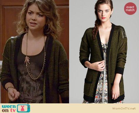Modern Family Style: Aqua Studded shoulder open plaited cardigan worn by Sarah Hyland