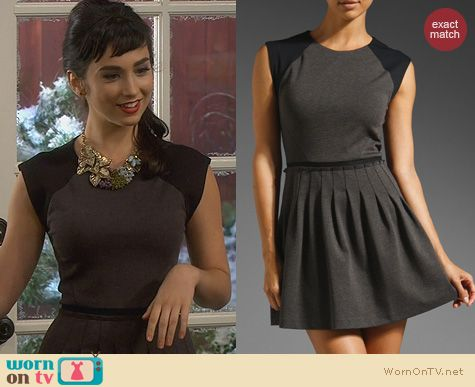 Molly Ephraim Fashion: Rebecca Taylor Pleated Cap Sleeve Ponte Dress worn on Last Man Standing