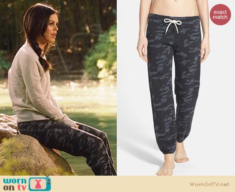Monrow Camo Sweatpants in Vintage Black worn by Rachel Bilson on Hart of Dixie