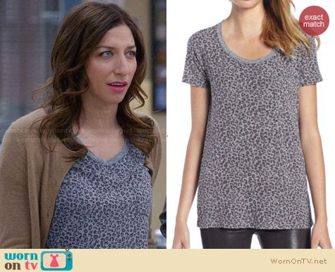 Monrow Mini Leopard Pocket Tee worn by Chelsea Peretti on Brooklyn 99