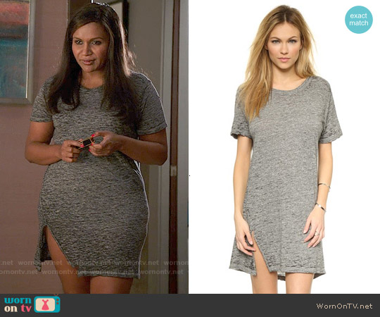Monrow Oversized Tee Dress worn by Mindy Kaling on The Mindy Project