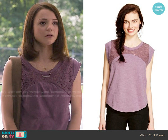 Mossimo Supply Co Lace Yoke T-shirt in Purple Pout worn by Kathryn Prescott on Finding Carter