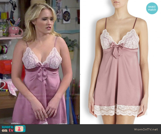 Myla Isabelle Chemise in Mauve worn by Emily Osment on Young & Hungry