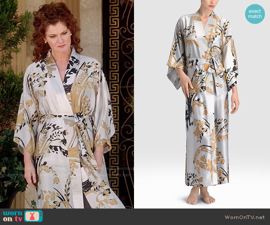Natori Alexandra Robe worn by Rebecca Wisocky on Devious Maids