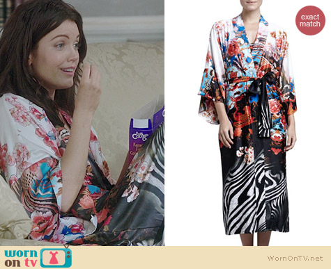 Natori Xianado Robe worn by Bellamy Young on Scandal
