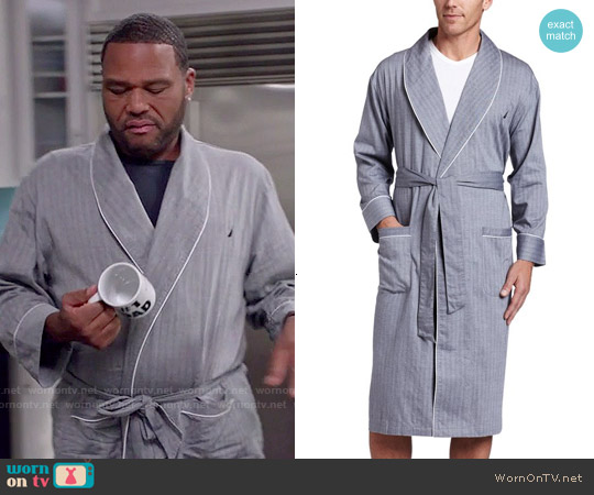 Nautica Captains Woven Robe worn by Anthony Anderson on Blackish