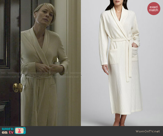 Neiman Marcus Chevron-Knit Long Cashmere Robe worn by Robin Wright on House of Cards