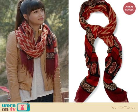 New Girl Fashion: Lucky Brand Wool Scarf worn by Hanna Simone