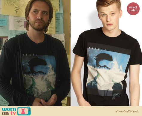 Fashion of Nikita: Diesel Manface Tee worn by Aaron Stanford