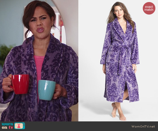 Nordstrom Plush Robe in Purple Sage Damask worn by Lenora Crichlow on A to Z
