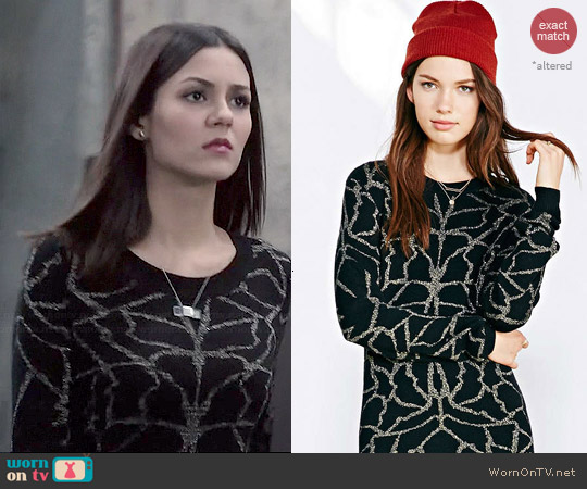 Numph Evelyn Sweater Dress worn by Victoria Justice on Eye Candy