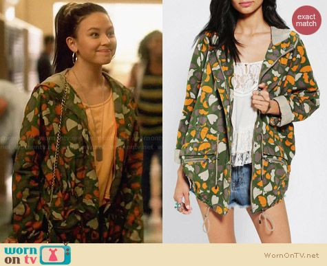 Numph Lenny Heart Camo Jacket worn by Malese Jow on Star Crossed
