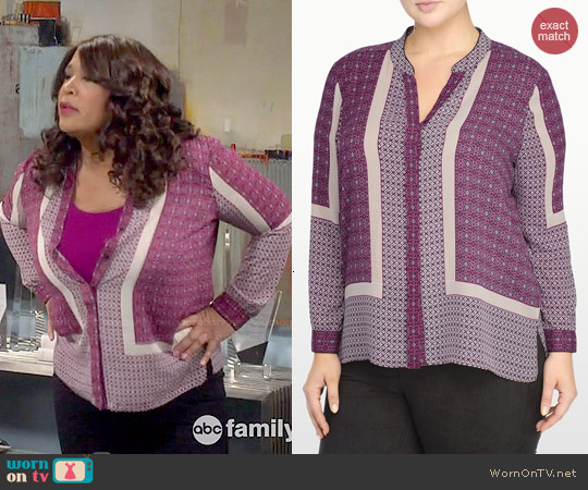 NYDJ Scarf Print Button Front Blouse worn by Kym Whitley on Young & Hungry