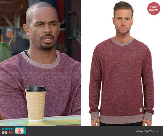 worn by Coach (Damon Wayans Jr) on New Girl