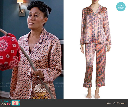Olivia von Halle Lila Mizuki Printed Long-Sleeve Pajama Set worn by Tracee Ellis Ross on Blackish