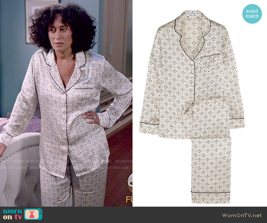 Olivia Von Halle Lila Amalia Printed Pajama Set worn by Tracee Ellis Ross on Blackish