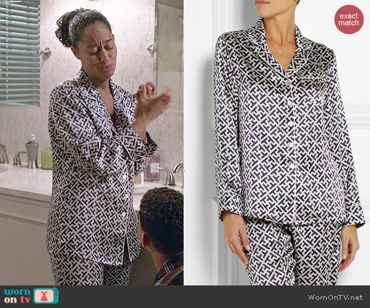 Olivia von Halle Lila Keiko printed silk-satin pajama set worn by Tracee Ellis Ross on Blackish