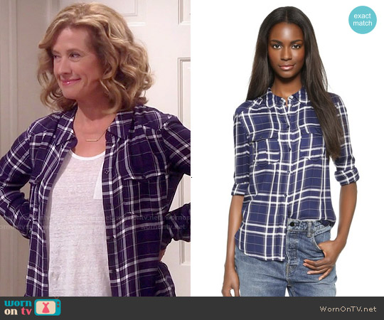 Paige Mya Shirt in Bright Navy/Cerise worn by Nancy Travis on Last Man Standing