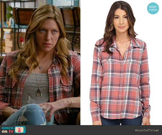 Paige Trudy Shirt in Canyon Rose / Greystone worn by Jes Macallan on Mistresses