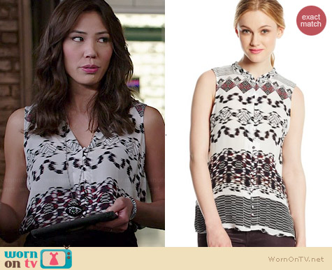 Parker Brooklyn Top in Chainlink worn by Michaela Conlin on Bones