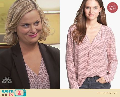 Parks & Rec Fashion: Joie Daryn blouse worn by Amy Poehler