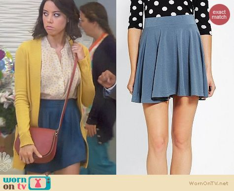 Parks and Rec Fashion: Pins and Needles Knit Circle Skirt worn by Aubrey Plaza