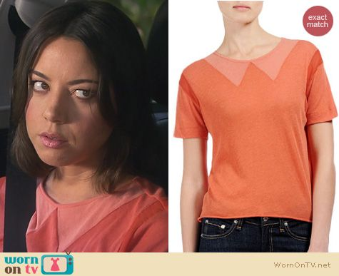 Parks and Rec Fashion: Rag & Bone Vitti Tee worn by Aubrey Plaza