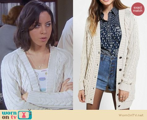 Parks & Rec Fashion: BDG Fisherman Cardigan in white worn by April Ludgate