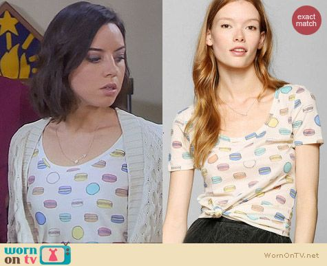 Parks & Rec Fashion: BDG Printed Macaron Tee worn by Aubrey Plaza