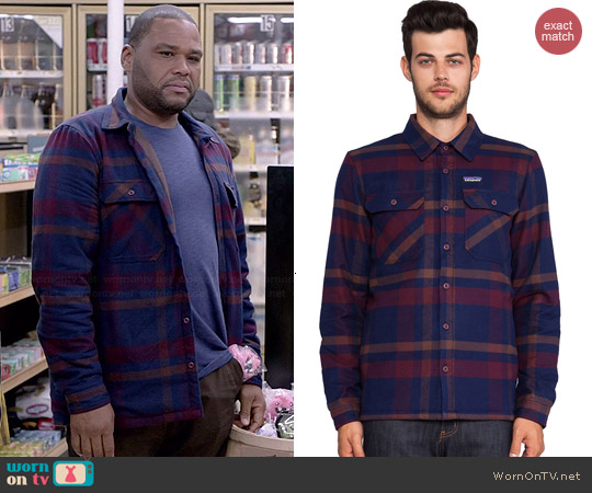 Patagonia Fjord Jacket in Comstock & Dark Current worn by Anthony Anderson on Blackish