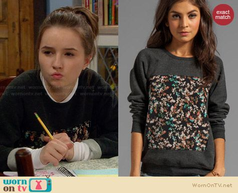 Patterson J Kincaid Piscies Pullover worn by Kaitlyn Dever on Last Man Standing