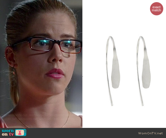Peggy Li Small Tribal Spike Earrings worn by Felicity Smoak on The Flash