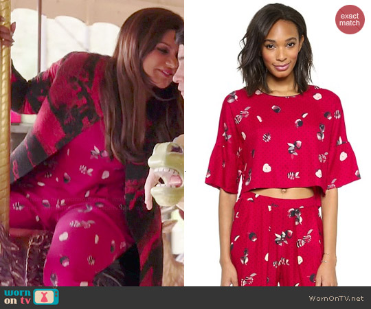 Piamita Elisa Crop Blouse and Tatiana Trousers worn by Mindy Kaling on The Mindy Project