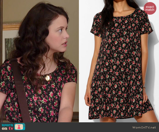 a006baad02 WornOnTV  Frankie s black floral short sleeved dress on Degrassi ...