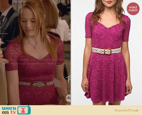 Pins & Needles Sweetheart Lace Dress from Urban Outfitters worn by Katie Leclerc on Switched at Birth
