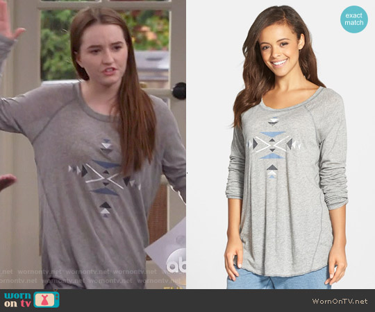 PJ Salvage Raglan Sleeve Tee worn by Kaitlyn Dever on Last Man Standing