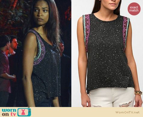 PLL Fashion: Ecote Silver Moon Muscle Tee worn by Aerial Miranda