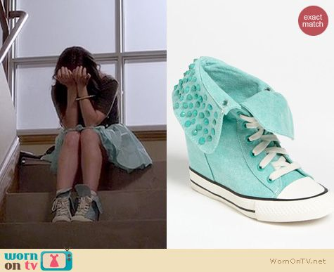 PLL Fashion: Goldluxe by Zigi Cavity sneaker worn by Lucy Hale