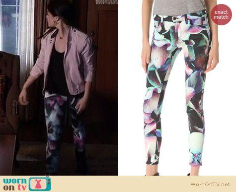 PLL Fashion: J Brand Super Skinny Jeans in Hydrangea worn by Lucy Hale