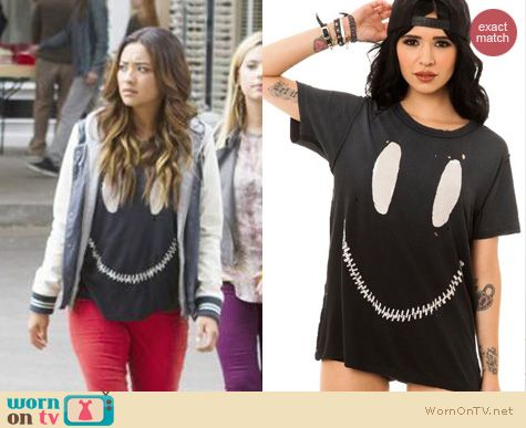 PLL Fashion: UNIF The Zed Zip Smiley tee worn by Shay Mitchell