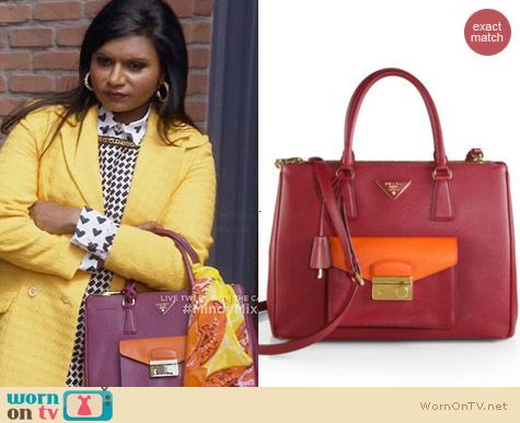 Prada Saffiano Lux Bicolor Bag in Pink worn by Mindy Kaling on The Mindy Project